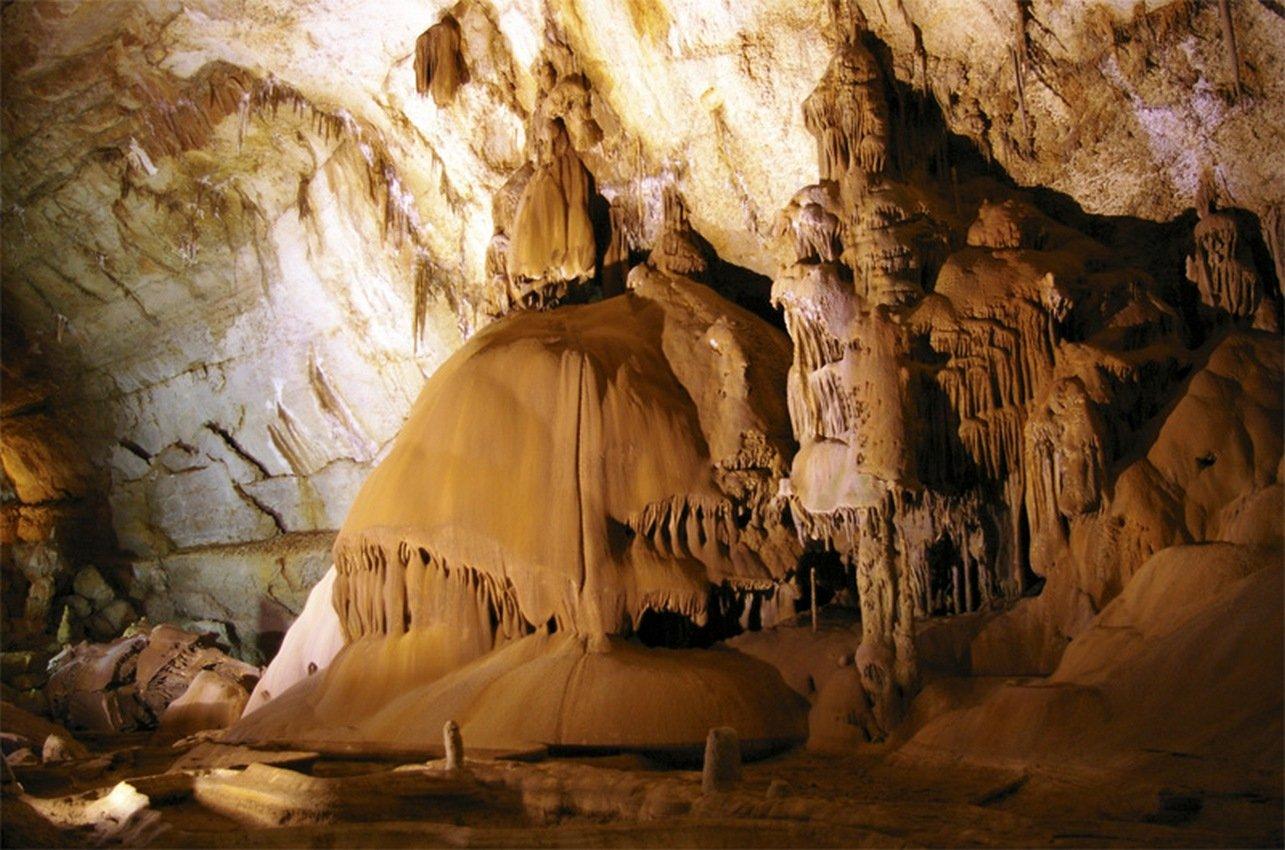 Тайны подземелий: вглубь пещер, вглубь веков.