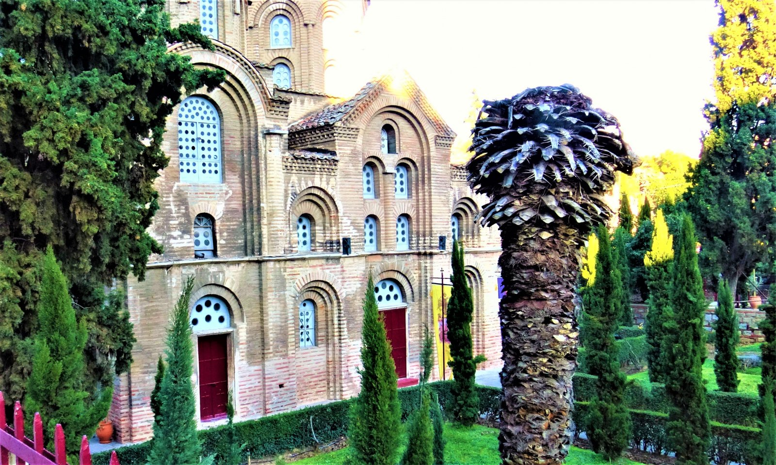 Православные Салоники — крупнейший центр европейского паломничества. (В подарок видео и слайд-шоу)