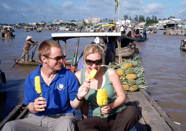 Экскурсия на плавучий рынок Кай Бе