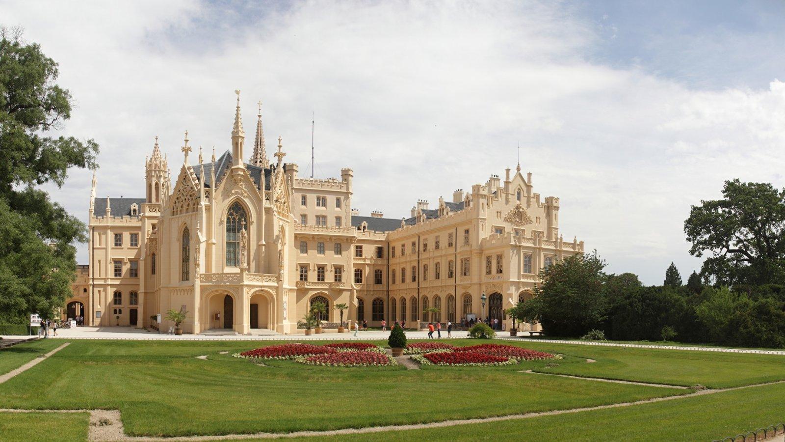 Сказочная Моравия — замки Леднице и Валтице с дегустацией вин