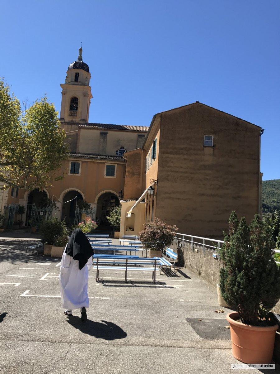 Сакральное место или место чудес. Монастырь Мадонна ди Лагет