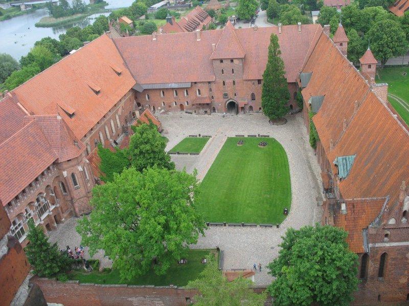 Мальборк — самый крупный рыцарский замок
