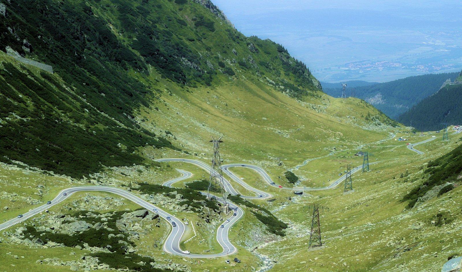 Трансфэгэрэшанское шоссе — высокогорное озеро Видрару — монастырь Куртя де Арджеш