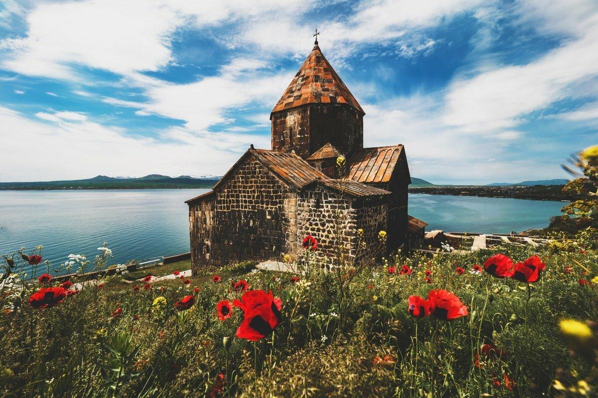 Поездка на озеро Севан и в монастырь Севанаванк с водителем