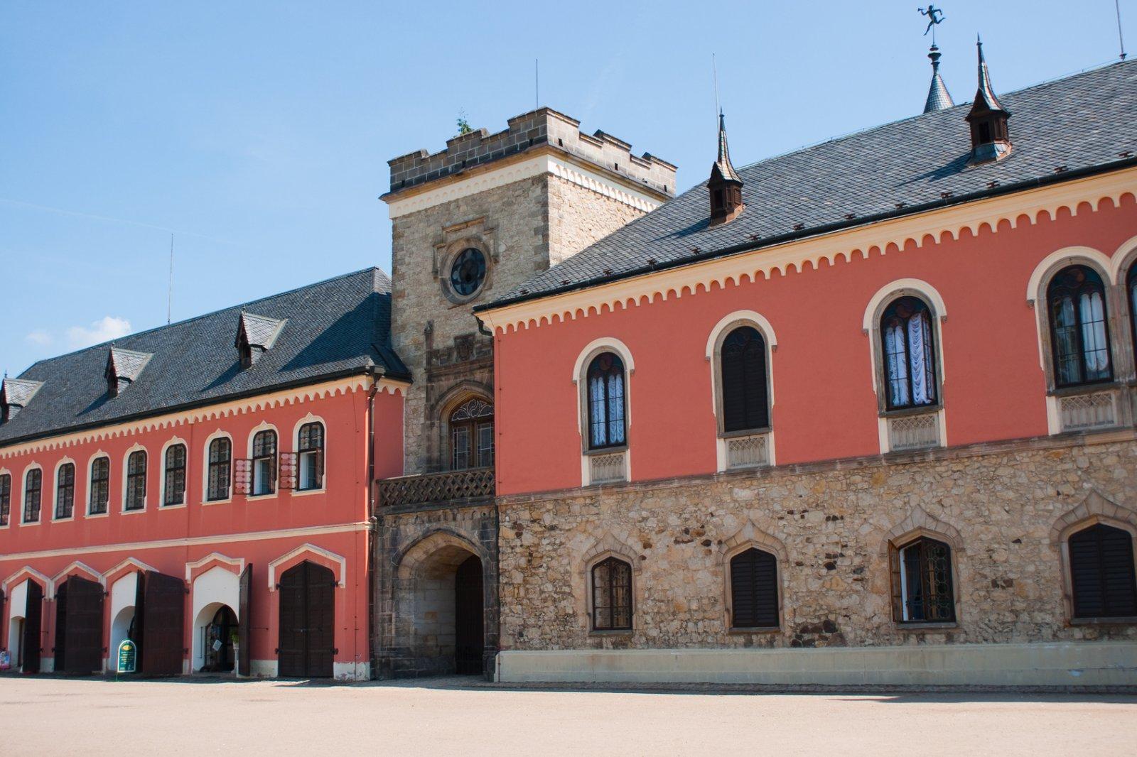 Чешский рай: город Турнов, замки Сихров и Груба Скала