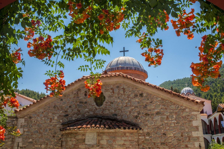 Храм Праведного Иоанна Русского и монастырь Преподобного Давида