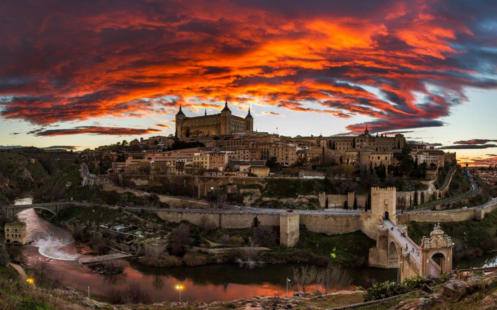 Автомобильная экскурсия из Мадрида в Толедо. Очарование Средневековья