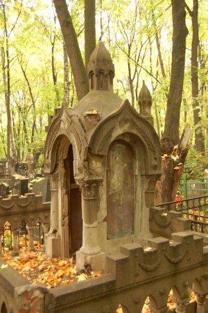 Введенское кладбище: легенды печальных ангелов