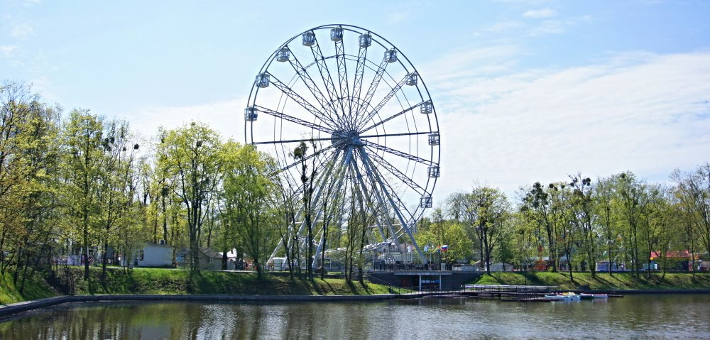 Индивидуальная экскурсия по Калининграду на большом и комфортном «Мерседес-Вито». 1—6 человек