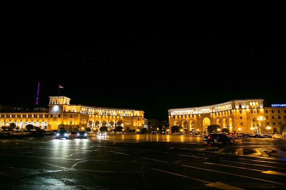 Вечерний Ереван летом (пешеходная)