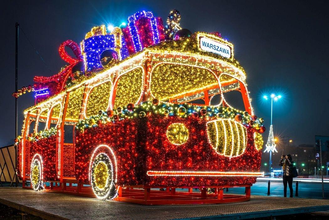 Индивидуальная авто-экскурсия «Рождественская Варшава и Королевский Парк Света в Вилянове»