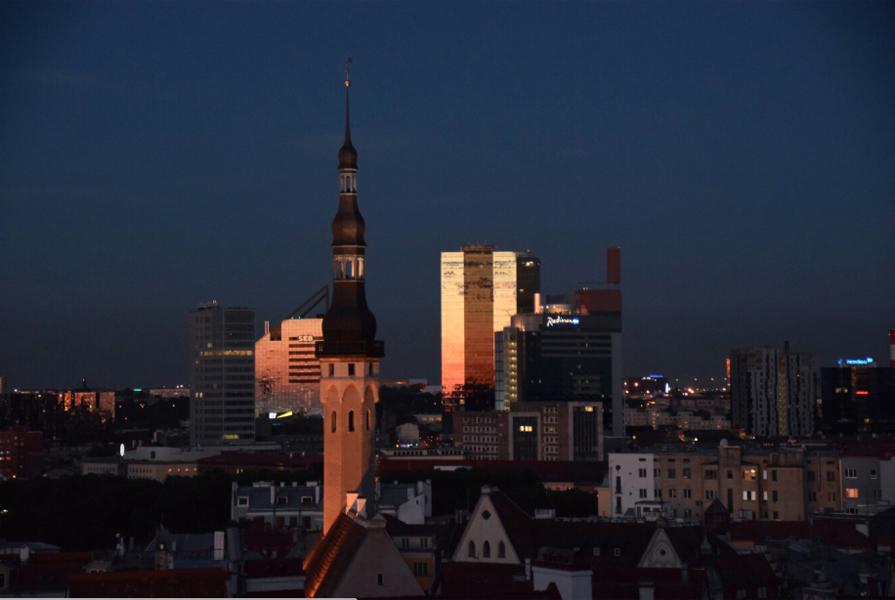 Таллин: Старый, Молодой и Вечно Недостроенный