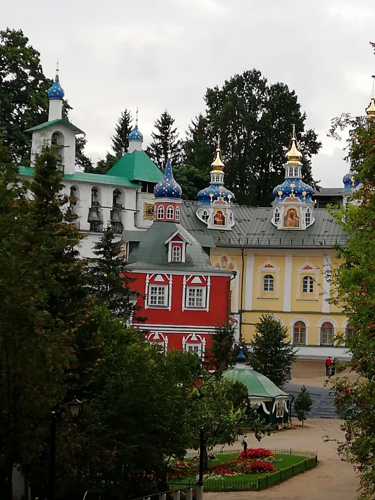 Поездка в Псково-Печерский монастырь и Изборск