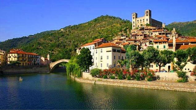 Средневековые города Лигурии — Дольчеаква и Априкале. Гастрономия, вино и горы