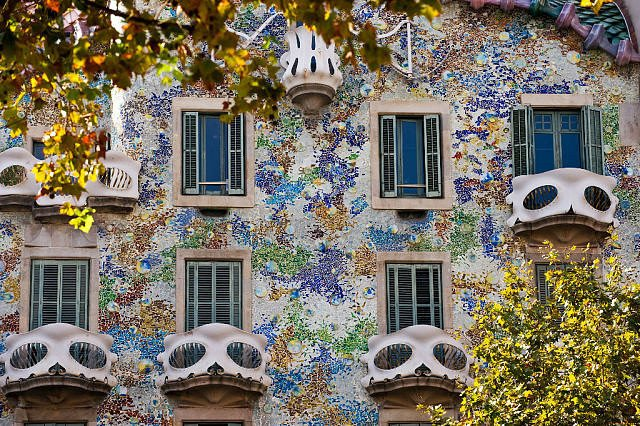 Барселона из окна городского транспорта
