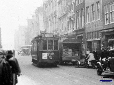 Трамвай номер 8 (еврейская история Амстердама)