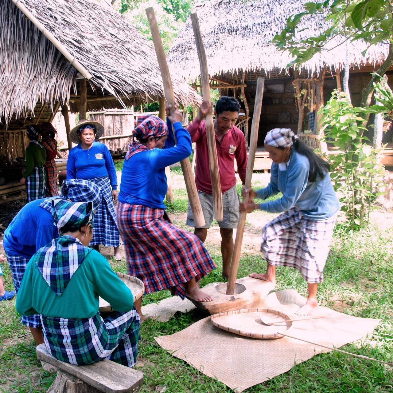 Музей-заповедник и филиппинская деревня на острове Боракай