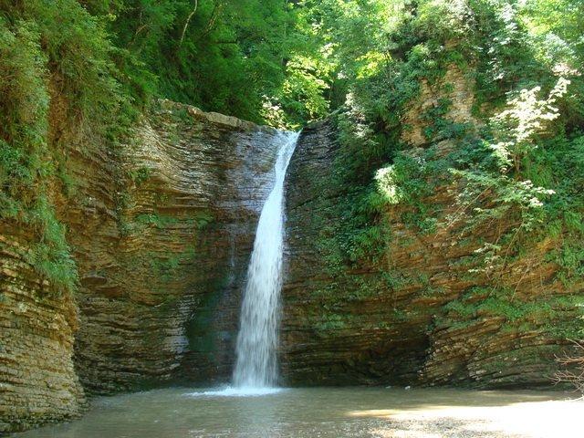 Азишская пещера и водопады Руфабго