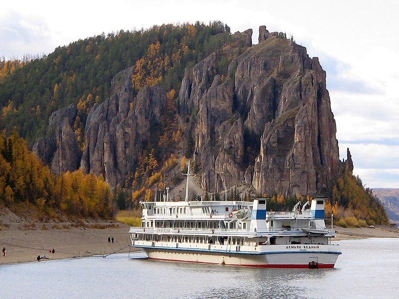 Национальный праздник «Ысыах» и круиз по реке Лена в природный парк «Ленские столбы»