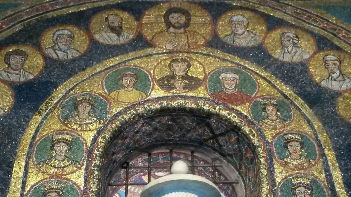 Скульптура и фрески в церквях