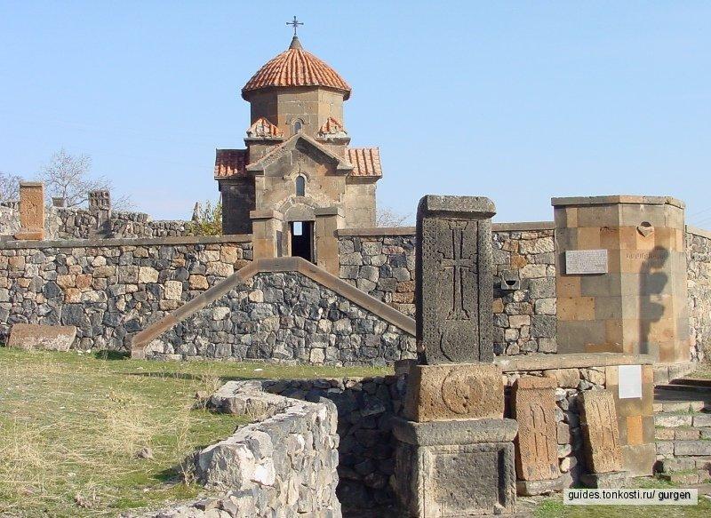 Церковь Кармравор — Винодельня «Воскеваз» — Ресторан «Гостевой дом»