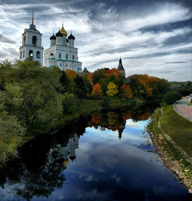 Пешеходная экскурсия по Кремлю и центру города Пскова