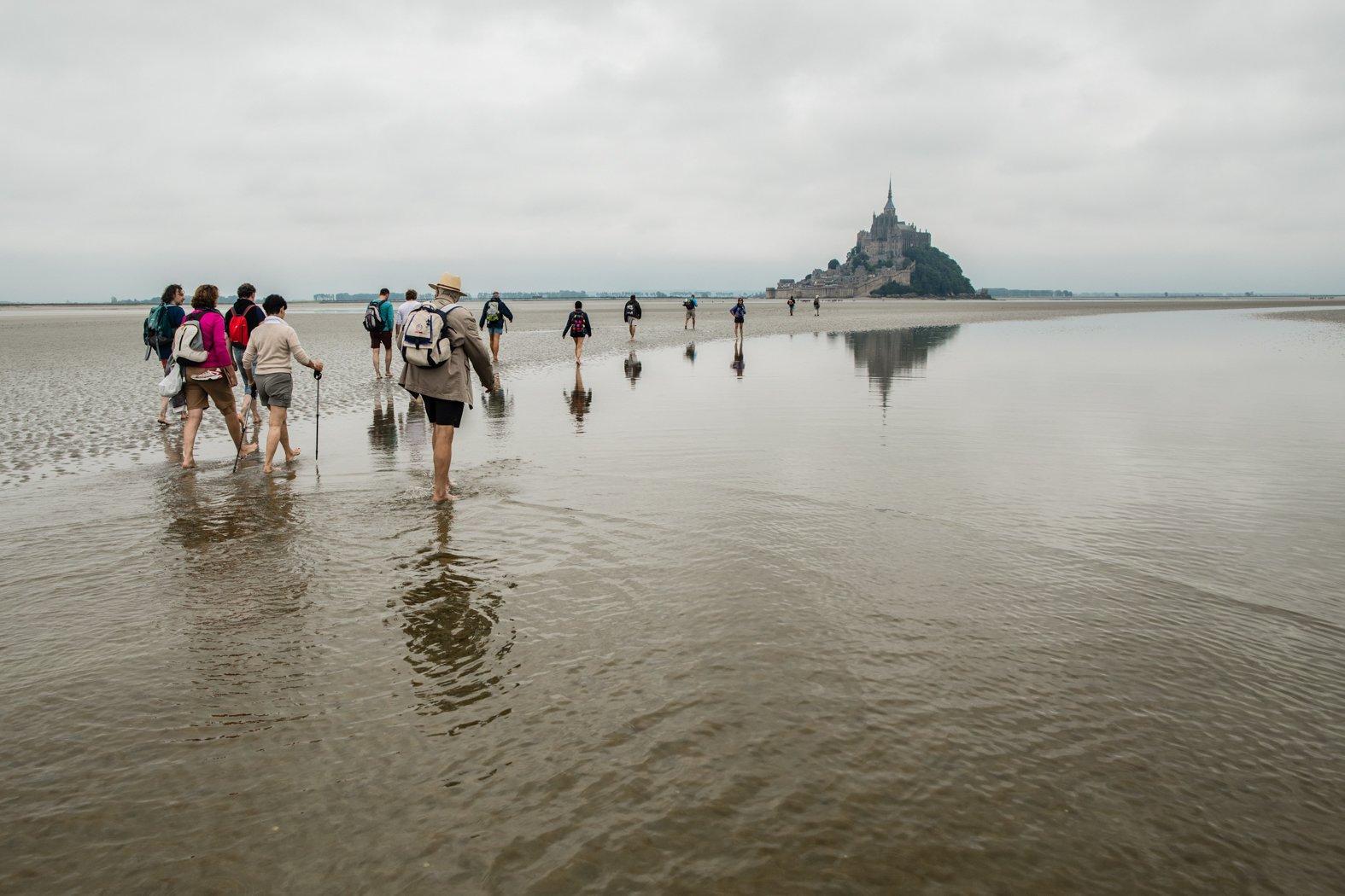 Пешком через залив в Мон-Сен-Мишель
