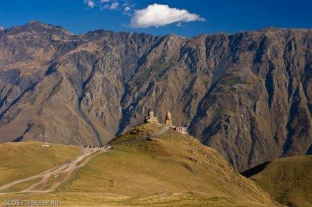Казбеги — выше гор могут быть только горы