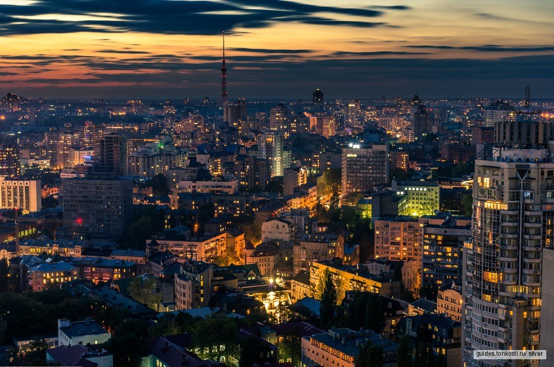 «Киев вечерний — Киев ночной» — самая необычная экскурсия по Киеву на автомобиле с панорамной крышей