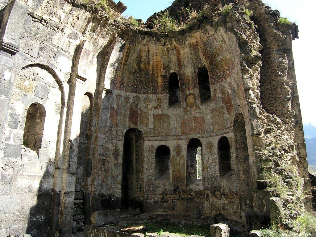 Ереван — Дсех — монастырь Бардзракаш — монастырь Кобайр — Ереван