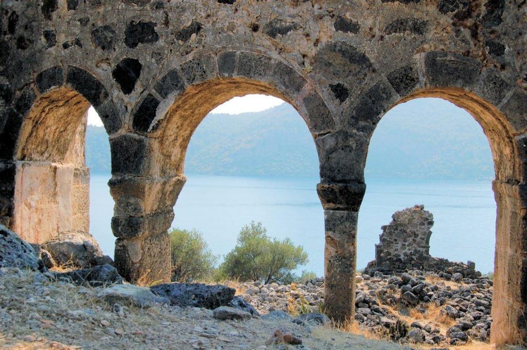 Город-призрак Кайякей и остров святого Николая Гемилер