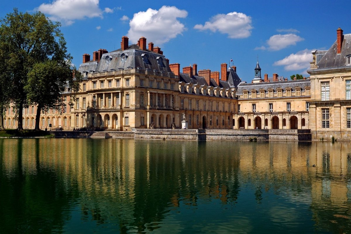 Фонтенбло. Замок королей Франции