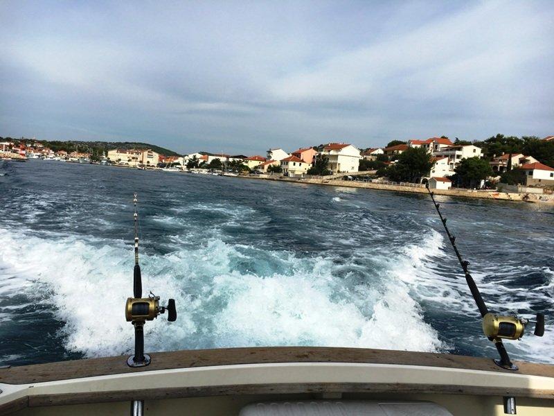 Морская рыбалка на скоростном глиссере. Ловля тунца