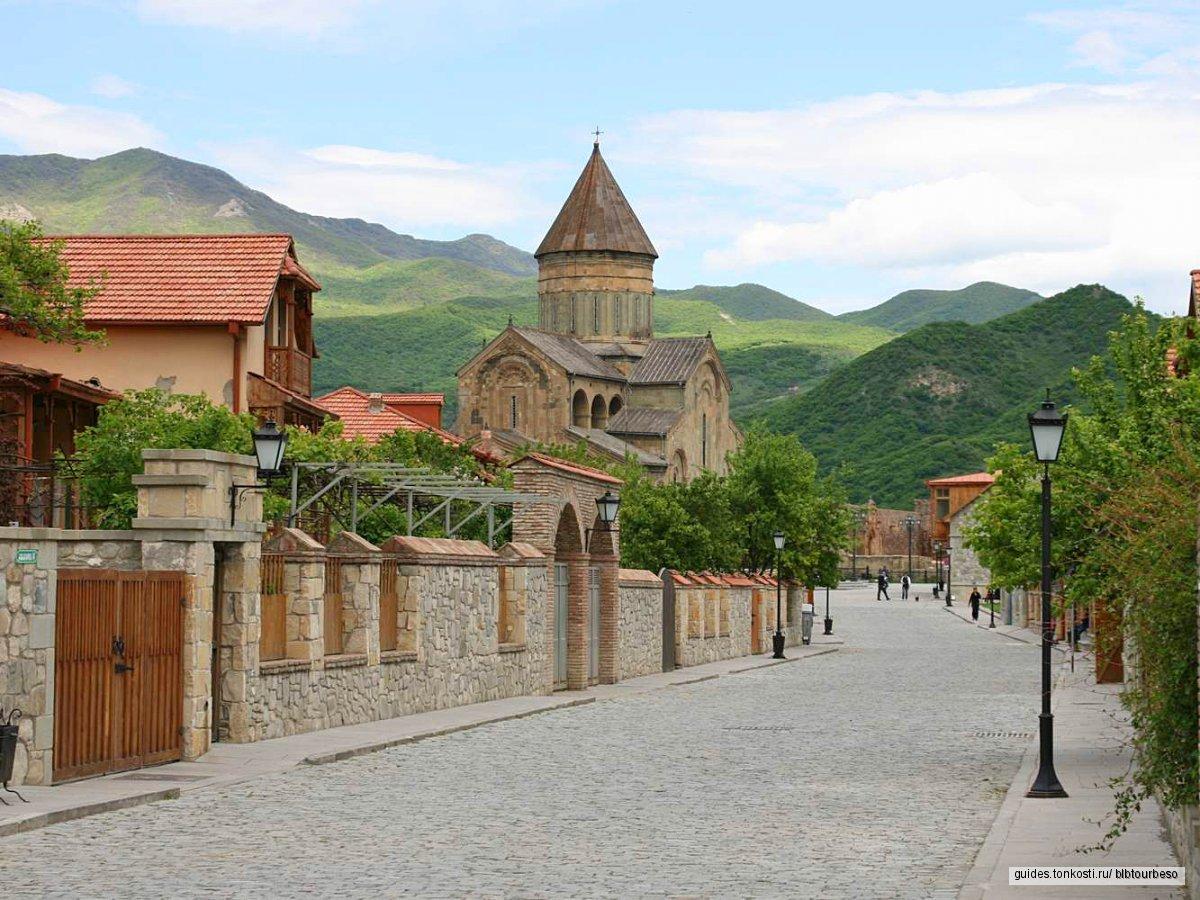 Однодневная экскурсия Тбилиси — Мцхета — Ананури (рафтинг)