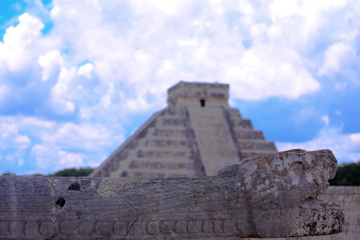Дом Пернатого Змея (Чичен-Ица, Вальядолид, два сенота)