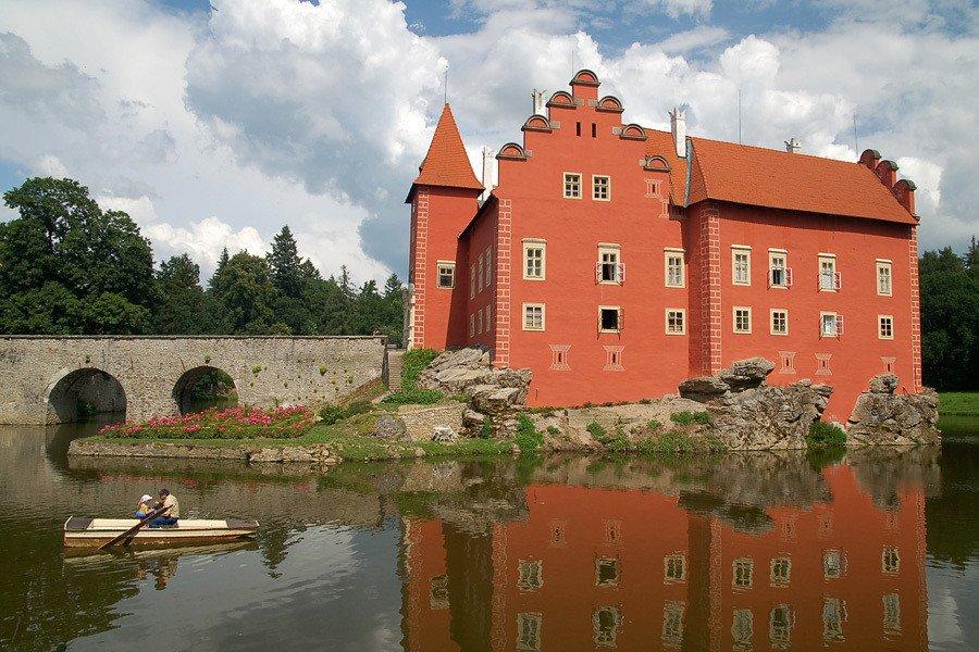 Из Праги в замок Червена-Льгота + замок и город Йиндржихув-Градец + замок и город Телч