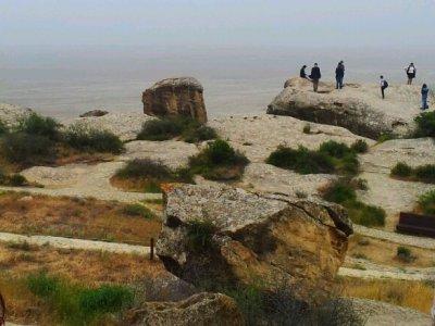 Музей каменной летописи Гобустан и его грязевые вулканы