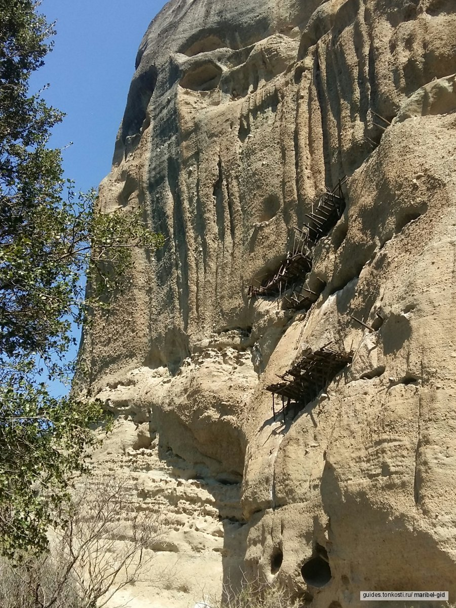 Метеорские скалы и монастыри