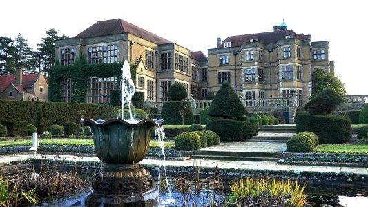 Дворец Хэмптон-корт — блеск королей и тайные интриги