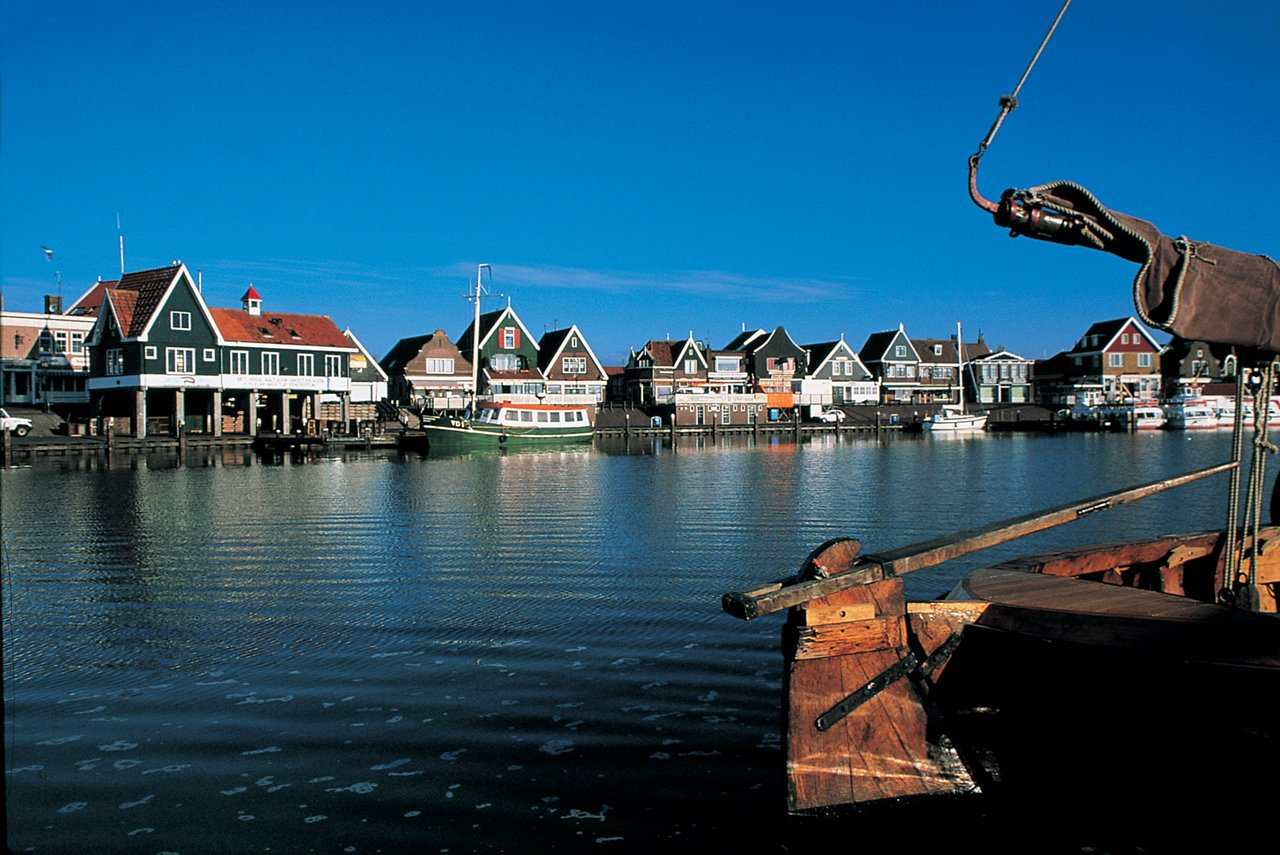 Рыбацкие деревни на воде — Монникендам, Маркен, Волендам, Брук-на-воде
