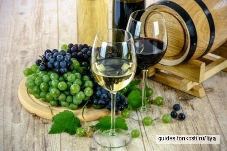 Винный тур в Шато Монолит: сыры, природа, и, разумеется, вино!