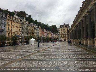 Экскурсия из Праги в Карловы Вары и замок Локет с посещением пивовара «Крушовице»