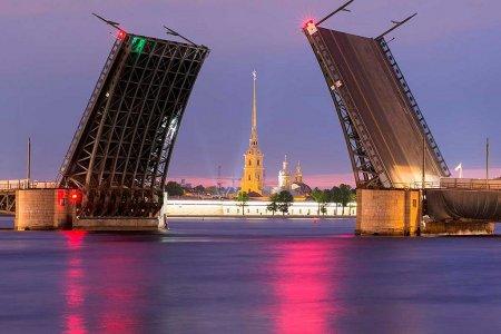 Обзорная экскурсия по ночному Петербургу