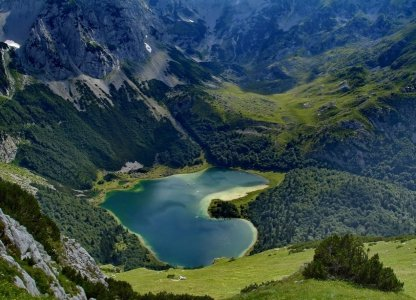 5 каньонов, Черное и Пивское озеро