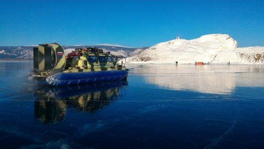Байкальский лед — комфортный и безопасный фототур на хивусе