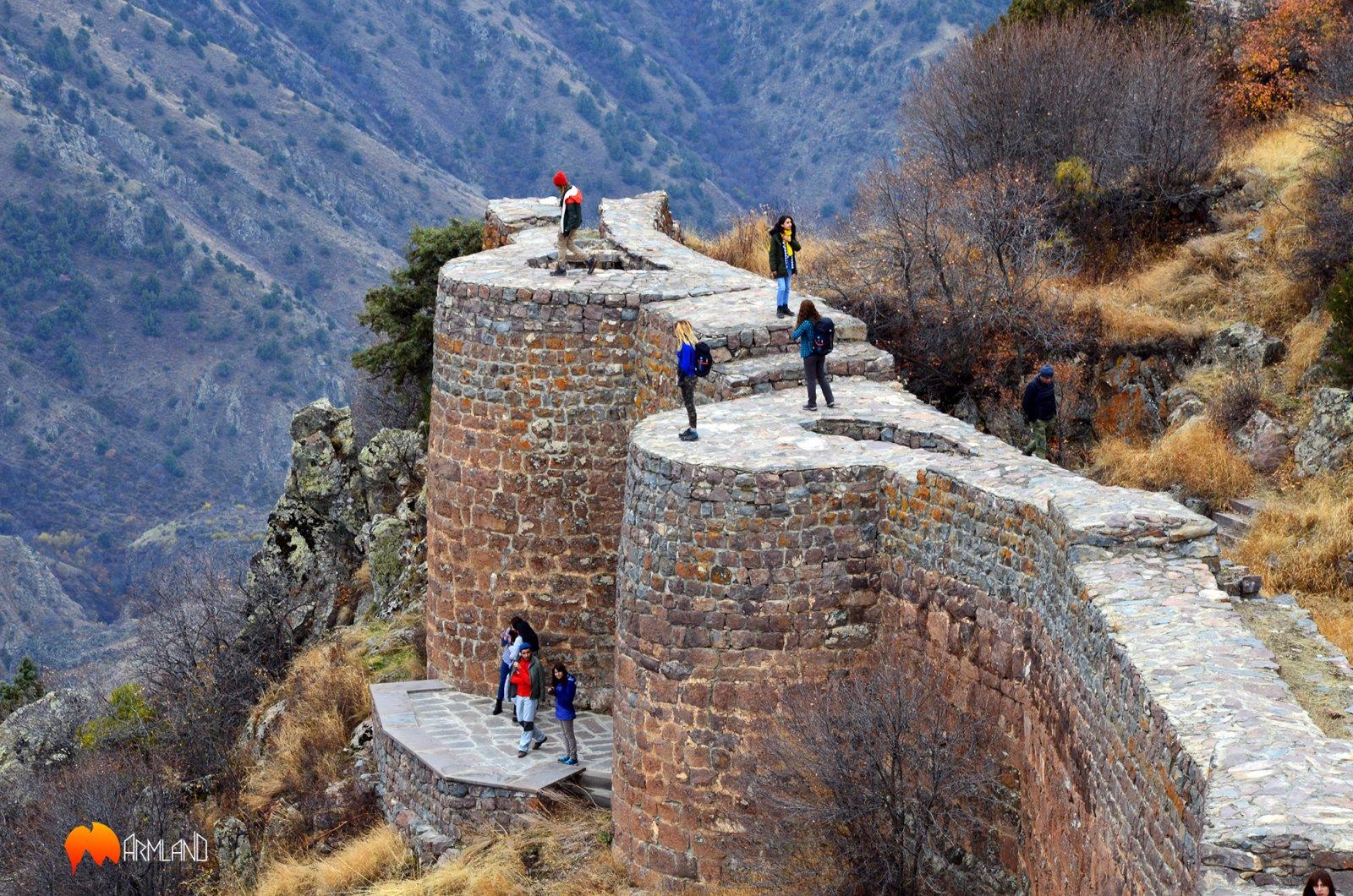 По крепостям Армении