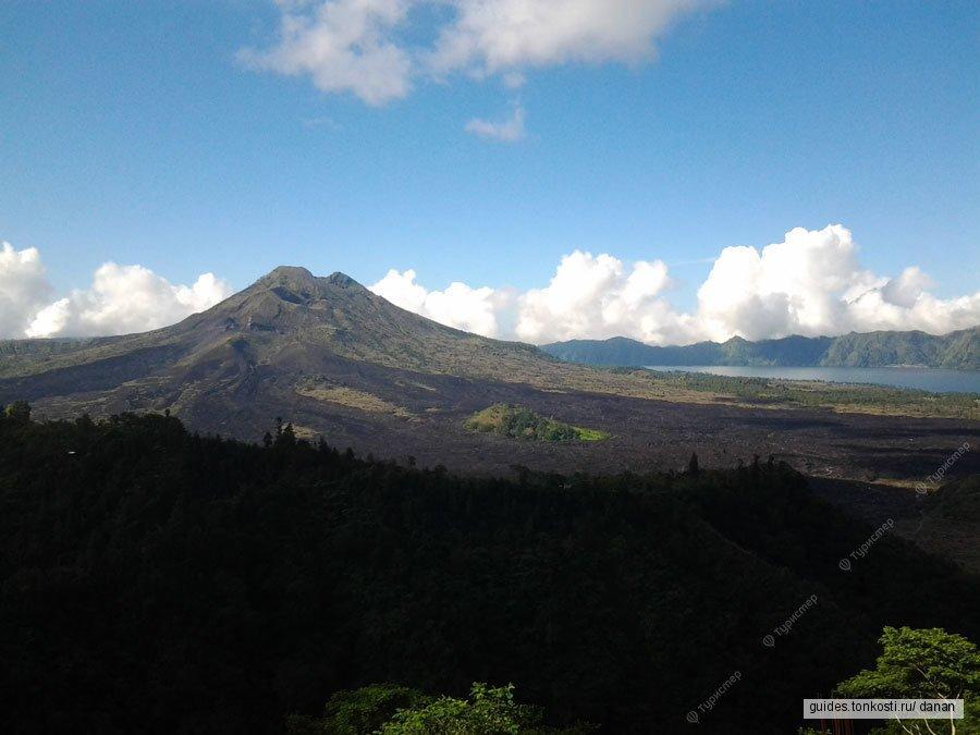 Вулкан Батур и Танах-Лот