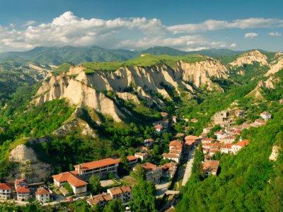 Банско — местность Рупите (место, связанное с пророчицей Вангой) — г. Мельник — Роженский монастырь