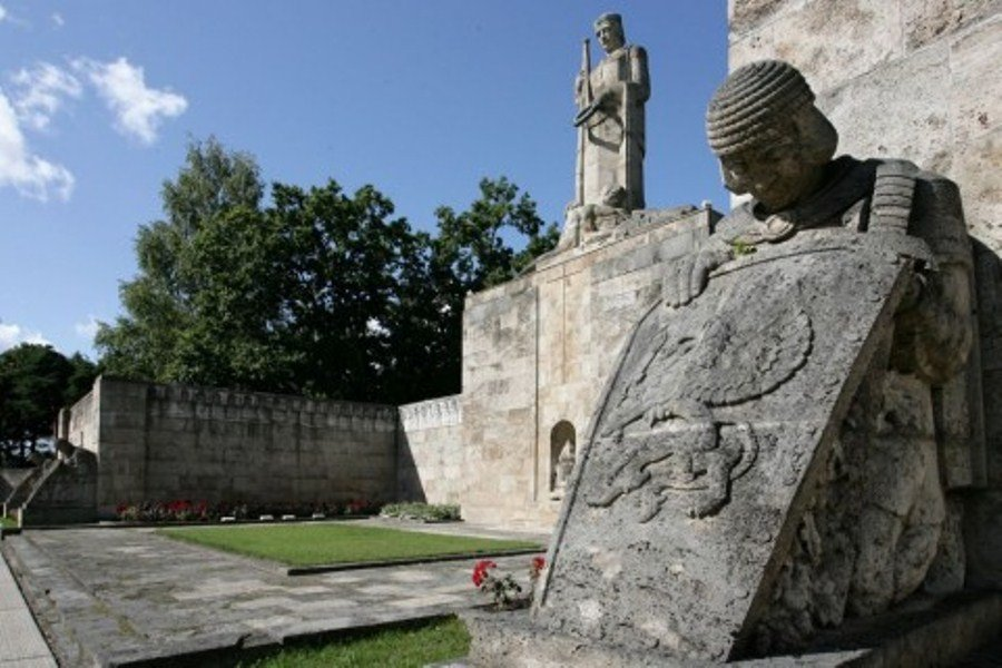 Мемориальные памятники в Риге
