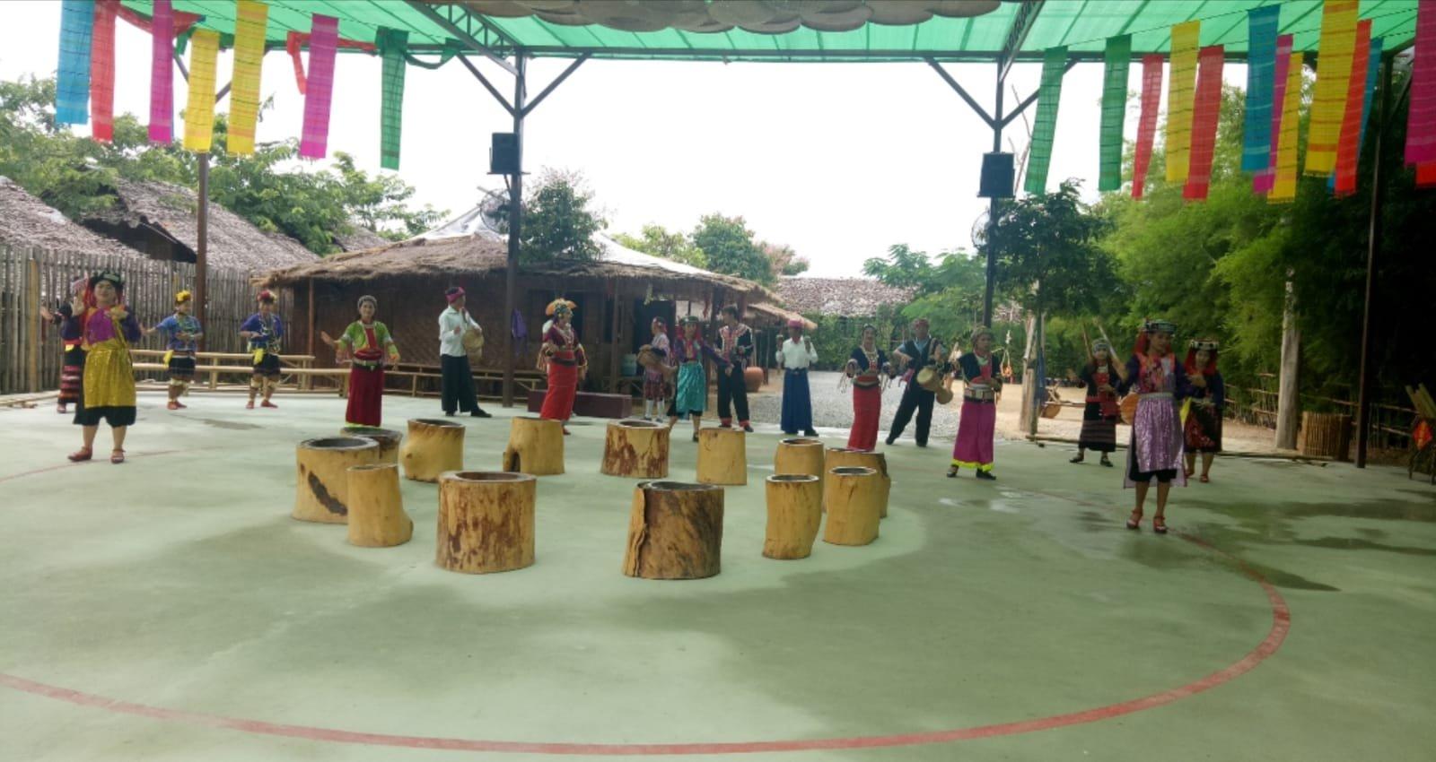 Деревня племен + змеиная ферма